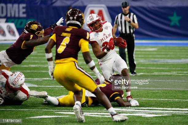 Miami RedHawks running back Tyre Shelton runs with the ball during the MidAmerican Conference championship game between the Miami RedHawks and the...