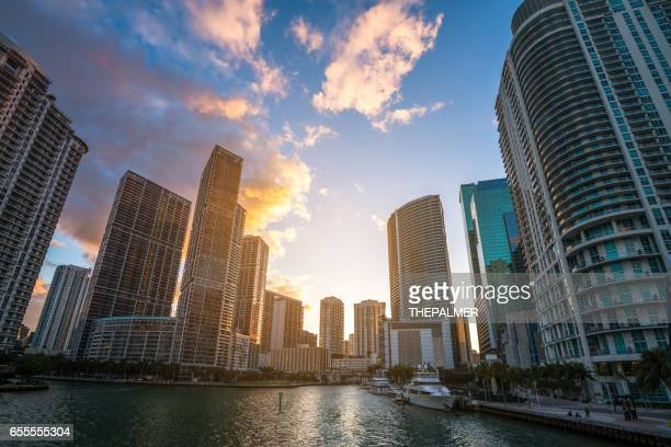 miami skyline biscayne bay - downtown miami stock pictures, royalty-free photos & images