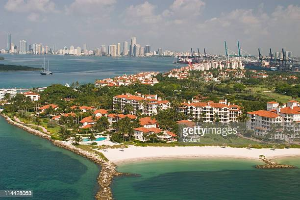 miamiwonderfull - fisher island stock pictures, royalty-free photos & images