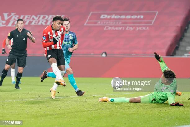 Mica Pinto of Sparta Rotterdam, Adil Auassar of Sparta Rotterdam,Donyell Malen of PSV, misses penalty, scores in rebound, Maduka Okoye of Sparta...