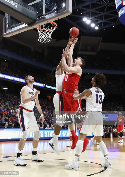 Micah Potter of the Ohio State Buckeyes shoots the ball during the first half against the Gonzaga Bulldogs in the second round of the 2018 NCAA Men's...