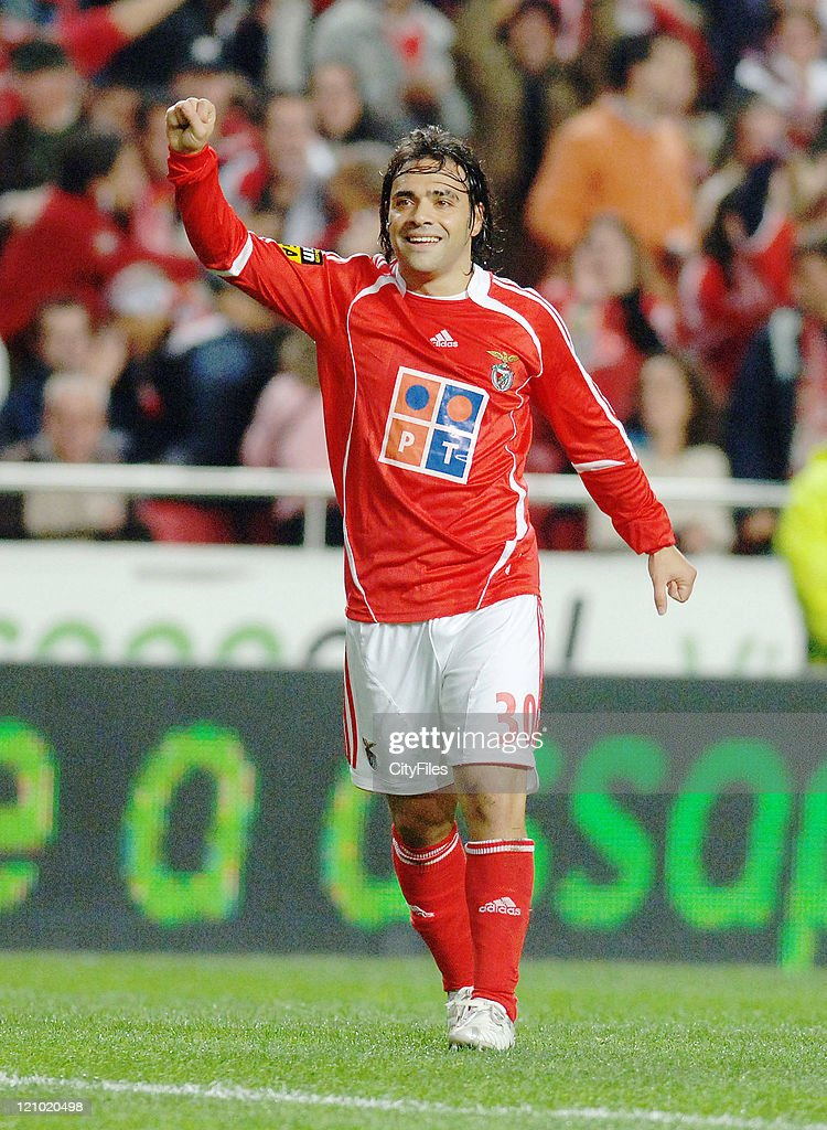 Miccoli of Benfica during the match between Maritimo and Benfica played at Estadio da Luz in Lisbon, Portugal on November 25, 2006.