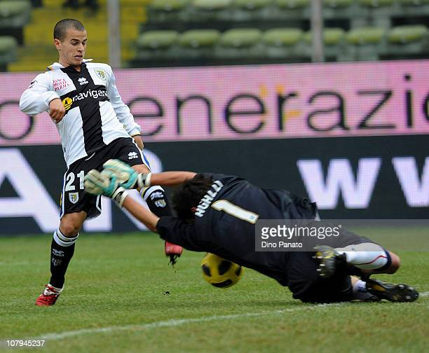 Michael Agazzi goal keeper of Cagliari saves at the feet of Sebastian Giovinco of Parma during the Serie A match between Parma FC and Cagliari Calcio...