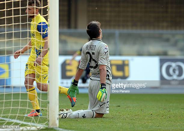 Michael Agazzi goalkeepr of Chievo Verona shows his dejection after Gilardino's goal during the Serie A match between AC Chievo Verona and Genoa CFC...