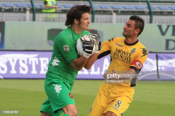 Michael Agazzi in action during the Serie A match between Cagliari Calcio and AC Siena at Stadio Sant'Elia on October 16 2011 in Cagliari Italy