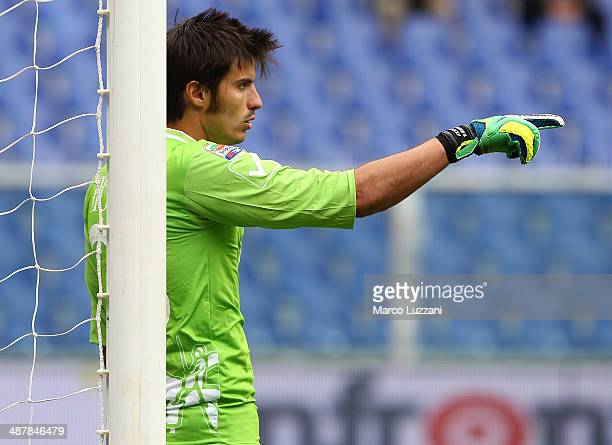 Michael Agazzi of AC Chievo Verona directs his defense during the Serie A match between UC Sampdoria and AC Chievo Verona at Stadio Luigi Ferraris on...