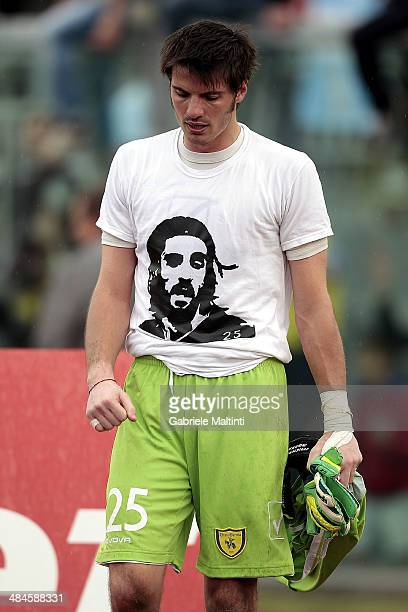 Michael Agazzi of AC Chievo Verona wears a tshirt with the conterfei of deceased player Piermario Morosini after the Serie A match between AS Livorno...