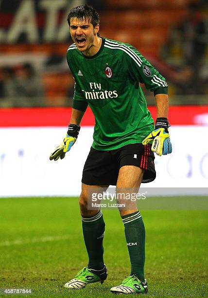 Michael Agazzi of AC Milan shouts to his teammates during Luigi Berlusconi Trophy at Stadio Giuseppe Meazza on November 5 2014 in Milan Italy