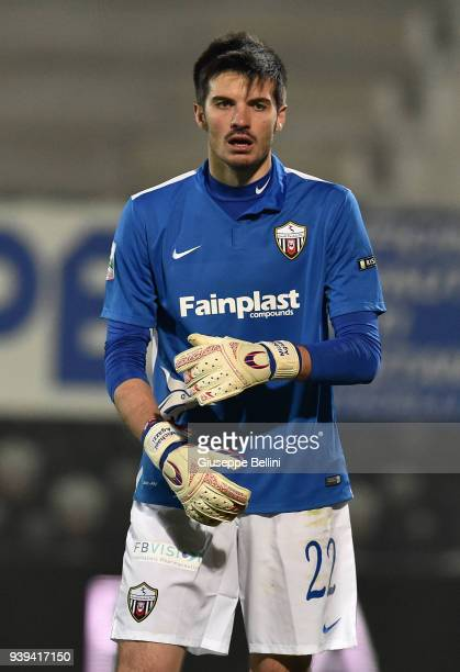 Michael Agazzi of Ascoli Picchio FC 1898 in action during the serie B match between Ascoli Picchio FC 1898 and FC Bari 1908 at Stadio Cino e Lillo...