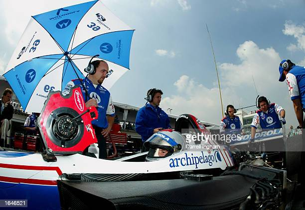 Michael Andretti aboard the Team Motorola Honda Lola during practice for the Gran Premio GiganteTelmex round 19 of the CART Fed Ex Championship...