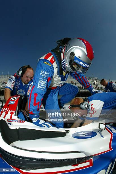 Michael Andretti climbs aboard the Team Motorola Honda Lola during the Gran Premio GiganteTelmex round 19 of the CART Fed Ex Championship Series on...