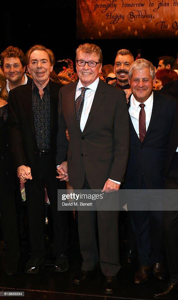 """The Phantom Of The Opera"" - 30th Anniversary Charity Gala Performance - Finale : Nieuwsfoto's"