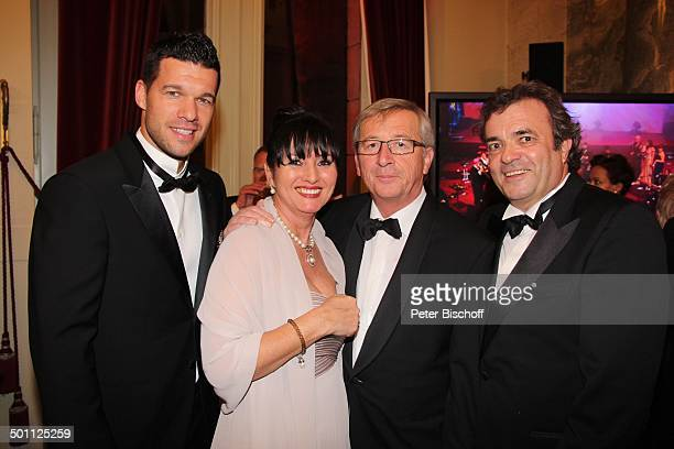 Michael Ballack JeanClaude Juncker mit Ehefrau Christiane Frising BallGast 8 Semper Opernball Semperoper Dresden Sachsen Deutschland Europa...