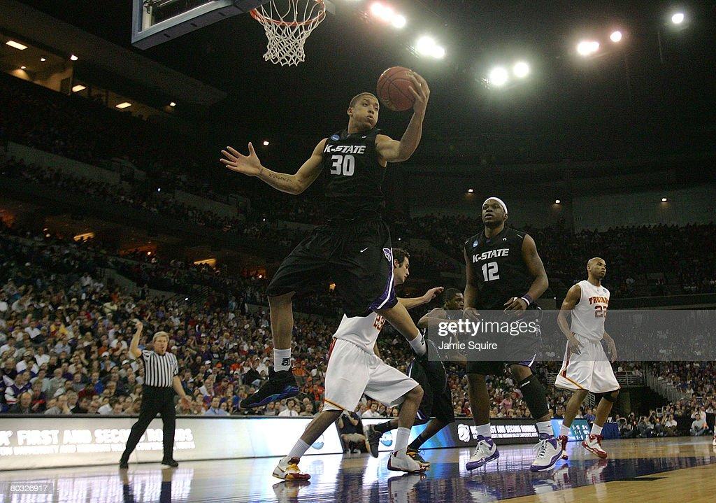 Kansas State v USC : News Photo