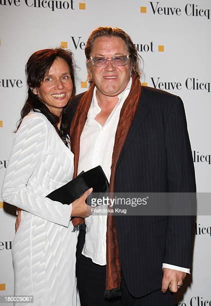 Michael Brandner Und Ehefrau Karin Bei Der Starlight Yellow Premiere Von Veuve Clicquot In Der Clicquot City In München