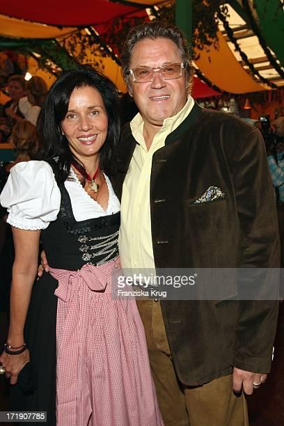 Michael Brandner Und Ehefrau Karin Beim Oktoberfest Im Hippodrom Festzelt In München Am 190909