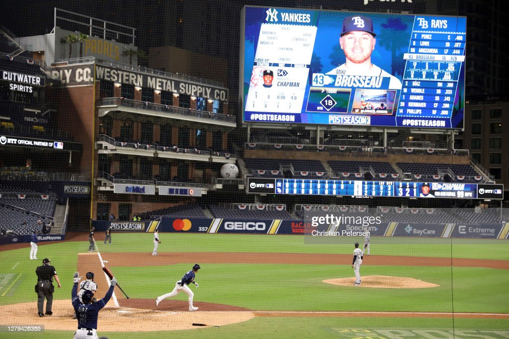 Division Series - New York Yankees v Tampa Bay Rays - Game Five : News Photo
