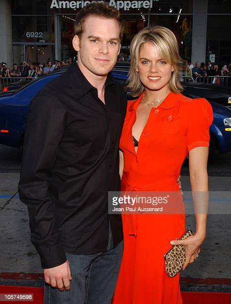 Michael C Hall and Amy Spangler during HBO's 'Six Feet Under' Season 5 Premiere at Chinese Theater in Hollywood California United States
