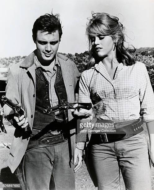 Michael Callan as Clay Boone and Jane Fonda as Cat Ballou in Cat Ballou .