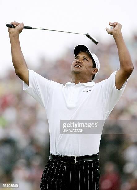 Michael Campbell of New Zealand celebrates winning the US Open Championship at the Pinehurst Country Club in Pinehurst, North Carolina, 19 June 2005....