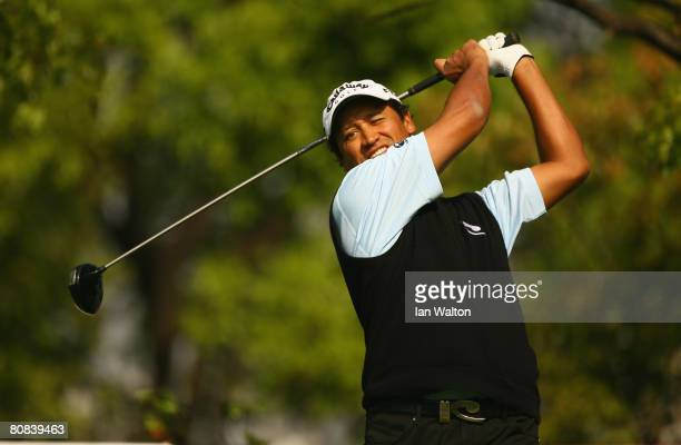 Michael Campbell of New Zealand in action during the first round of the BMW Asian Open at the Tomson Shanghai Pudong Golf Club on April 24, 2008 in...