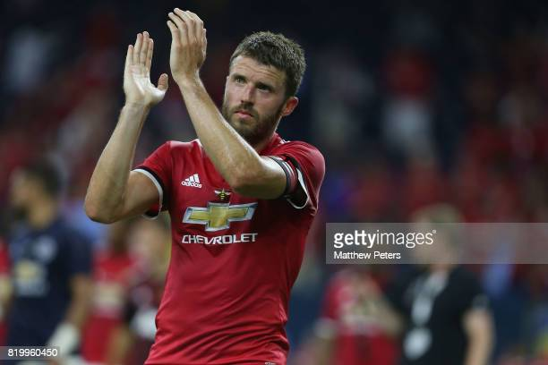 Michael Carrick of Manchester United applauds the fans after the preseason friendly International Champions Cup 2017 match between Manchester United...