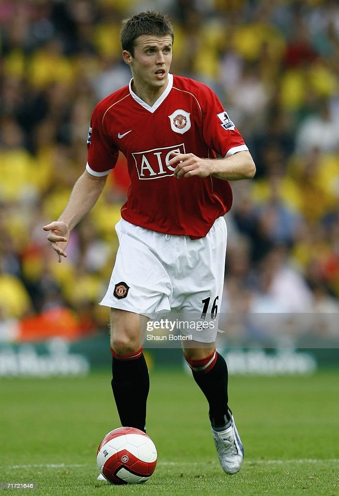 Michael Carrick of Manchester United during the Barclays Premiership match between Watford and Manchester United at Vicarage Road on August 26, 2006 in Watford, England.