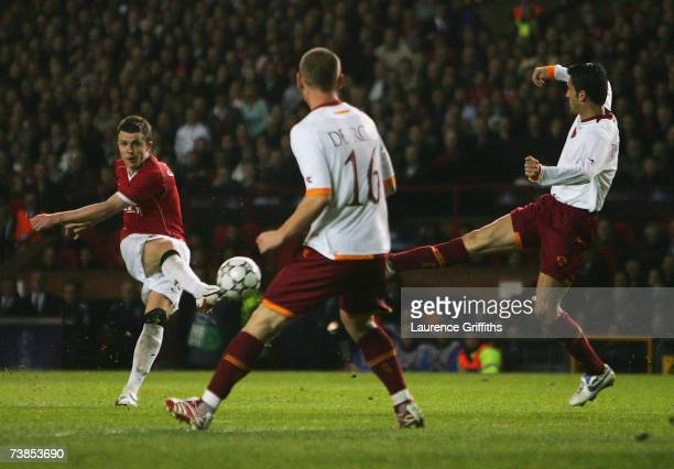 Michael Carrick of Manchester United scores his team's sixth goal during the UEFA Champions League Quarter Final, second leg match between Manchester...