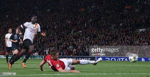 Michael Carrick of Manchester United scores their first goal during the UEFA Champions League Group H match between Manchester United and Galatasary...