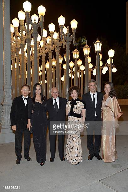 Michael Chow LACMA trustee and cochair Eva Chow Stewart Resnick LACMA trustee Lynda Resnick Director and CEO of LACMA Michael Govan and Katherine...