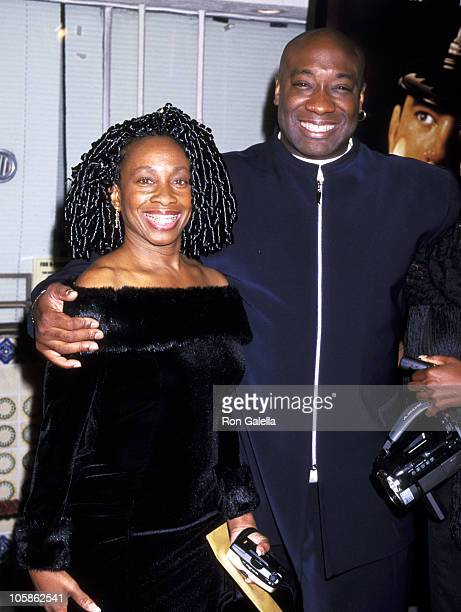 Michael Clarke Duncan and sister Judah Duncan during The Green Mile Benefit Premiere Westwood California at Mann Village Theatre in Westwood...