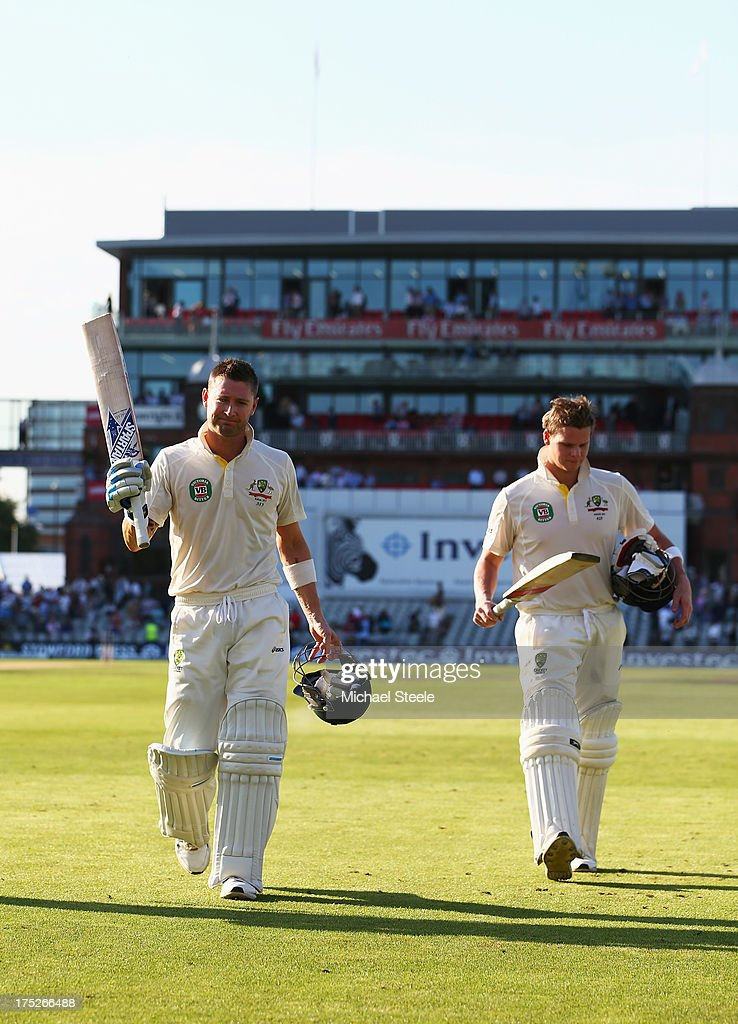 Michael Clarke (L) of Australia acknowledges the crowd as he walks off with Steve Smith at the end of play during day one of the 3rd Investec Ashes Test match between England and Australia at Old Trafford Cricket Ground on August 1, 2013 in Manchester, England.