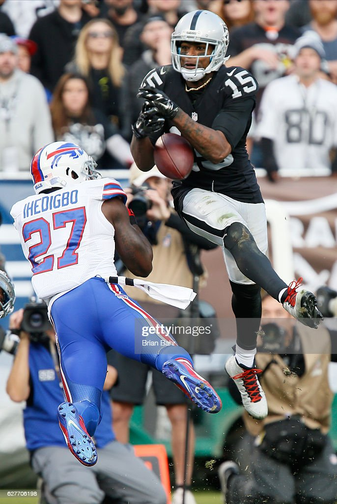 Michael Crabtree #15 of the Oakland Raiders is unable to make a catch against the Buffalo Bills during their NFL game at Oakland Alameda Coliseum on December 4, 2016 in Oakland, California.