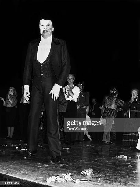 Michael Crawford and cast during The Phantom Of The Opera Final Performance at Her Majesty's Theatre October 10 1987 at Her Majesty's Theatre in...