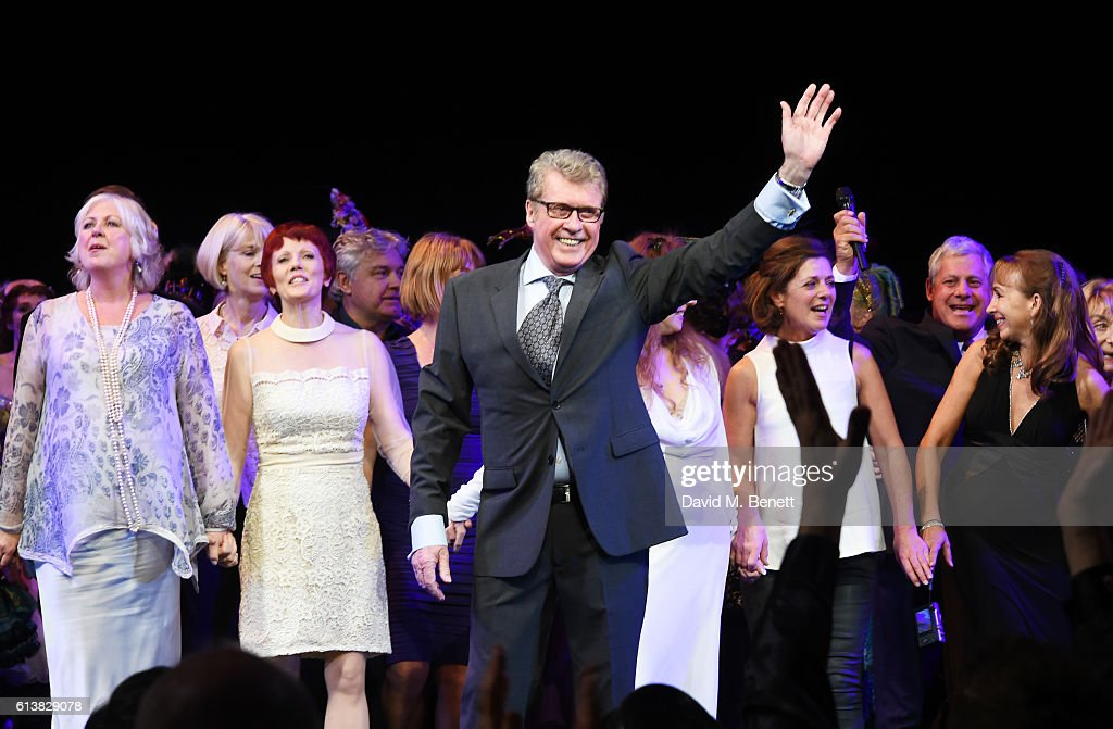 Michael Crawford (C) bows onstage surrounded by members of the original London cast at 'The Phantom Of The Opera' 30th anniversary charity gala performance in aid of The Music in Secondary Schools Trust at Her Majesty's Theatre on October 10, 2016 in London, England.