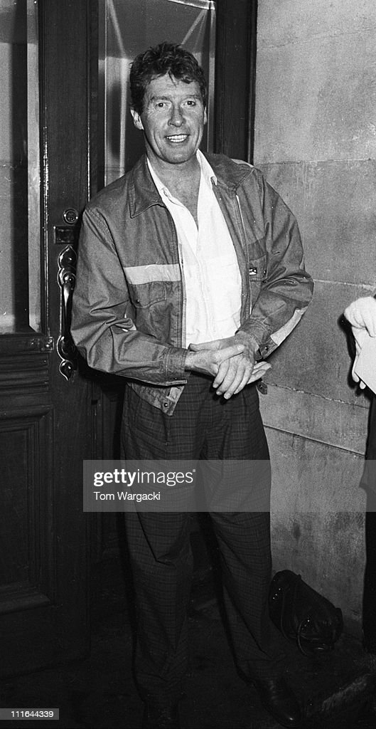 Michael Crawford Sighting leaving Her Majesty's Theatre after his performance in 'The Phantom Of The Opera - June 1987 : News Photo