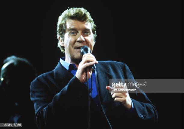 Michael Crawford performs at Shoreline Amphitheatre on August 5, 1998 in Mountain View, California.