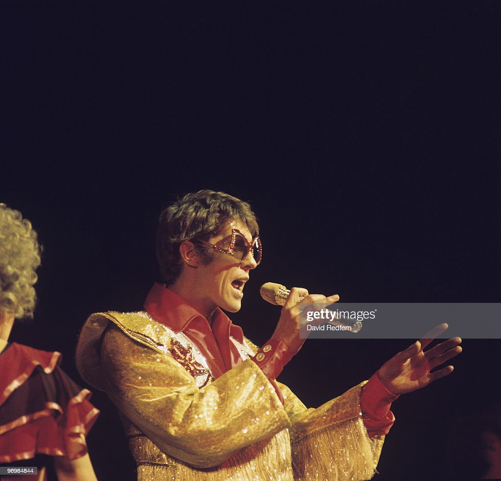 Michael Crawford Performs On Stage : News Photo