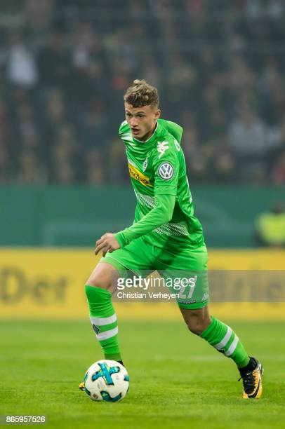 Michael Cuisance of Borussia Moenchengladbach controls the ball during the DFB Cup match between Fortuna Duesseldorf and Borussia Moenchengladbach at...