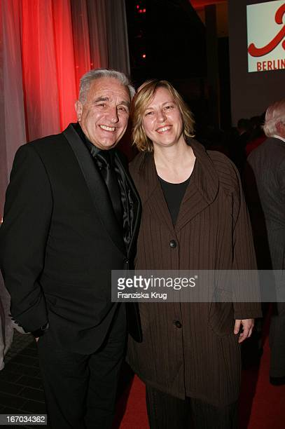Michael Degen Und Ehefrau Susanne Sturm Bei Der Verleihung Des Bz Kulturpreis Im Axel Springer Haus In Berlin