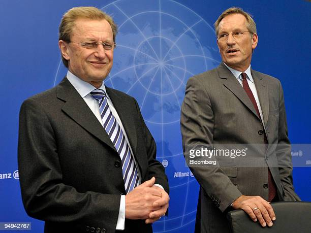 Michael Diekmann, chief executive officer of the Allianz SE Group, right, and Helmut Perlet, the company's chief financial officer, pose prior to the...