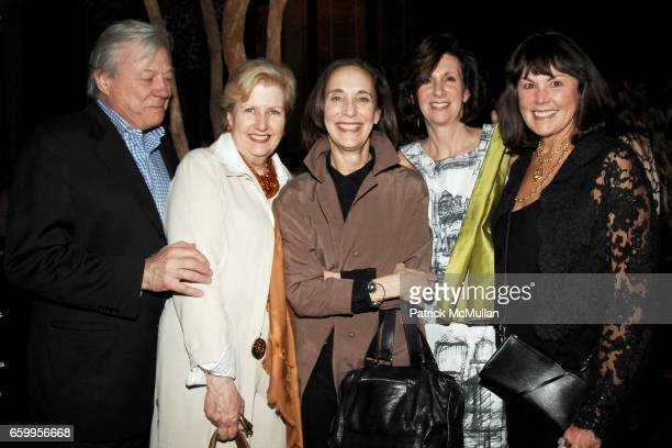 Michael Donovan Linda Foa Nancy Green Deborah Burns and Martha Sturdy attend METROPOLITAN HOME presents D100 with David Rockwell to benefit HOUSING...