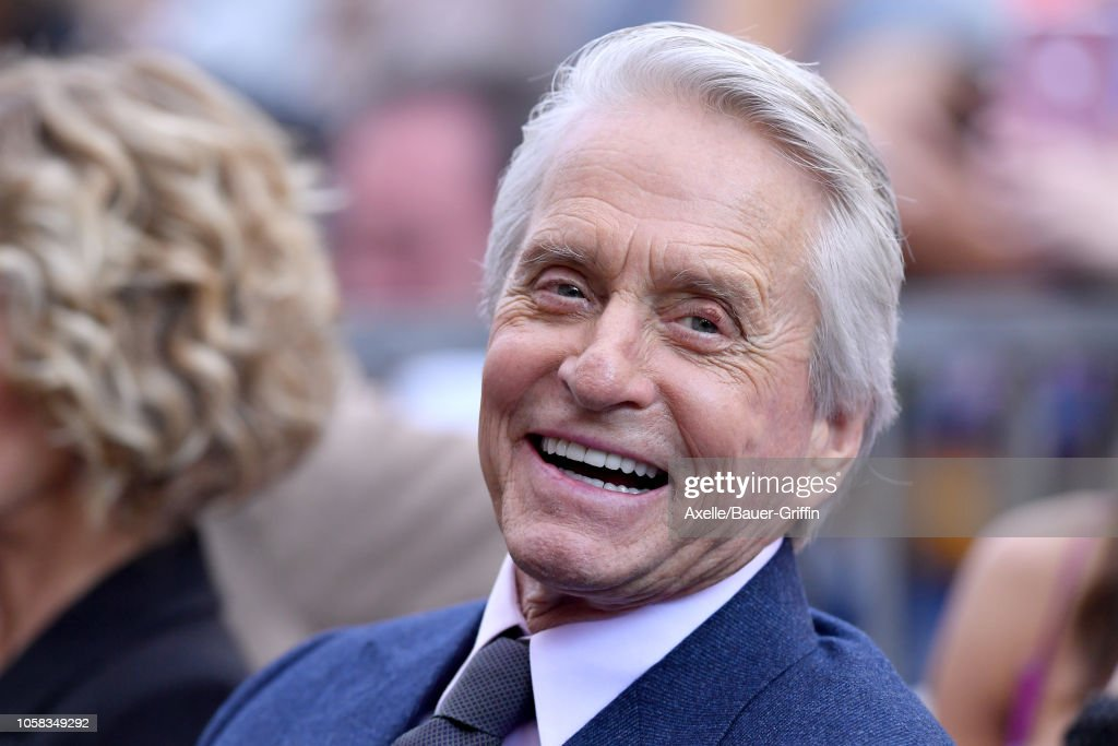 Michael Douglas Honored With Star On The Hollywood Walk Of Fame : Nachrichtenfoto