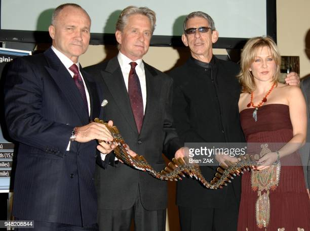 Michael Douglas NY Police Commissioner Ray Kelly Amy Carlson and Richard Belzer pose for pictures during the Brady Center to Prevent Gun Violence's...
