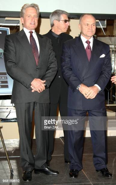 Michael Douglas NY Police Commissioner Ray Kelly and Richard Belzer pose for pictures during the Brady Center to Prevent Gun Violence's 'Stand Up For...