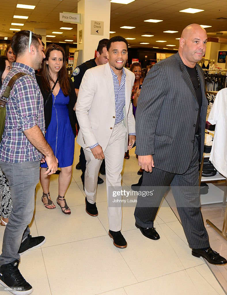 Michael Ealy Fan Meet And Greet At Macys Aventura Mall Photos And