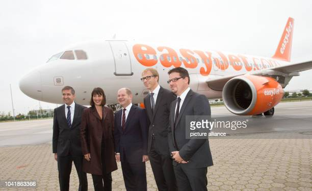 Michael Eggenschwiler chairman of the board of Hamburg Airport Carolyn McCall CEO easyJet Hamburg's first mayor Olaf Scholz and Alexander Dahm Airbus...