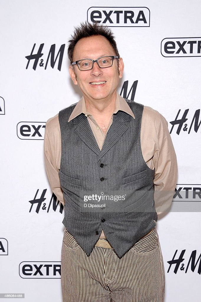 "Michael Emerson Visits ""Extra"""