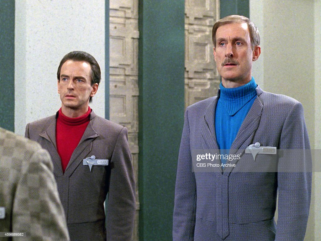 J Michael Flynn As Zaynar And James Cromwell Nayrok In The
