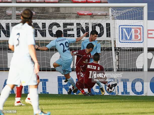 Michael Girasole of Albinoleffe scores his team's opening goal during the Serie B match between Reggina Calcio and AC AlbinoLeffe at Stadio Oreste...